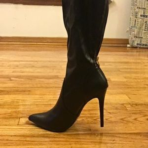 Shoes - Black leather heel boots